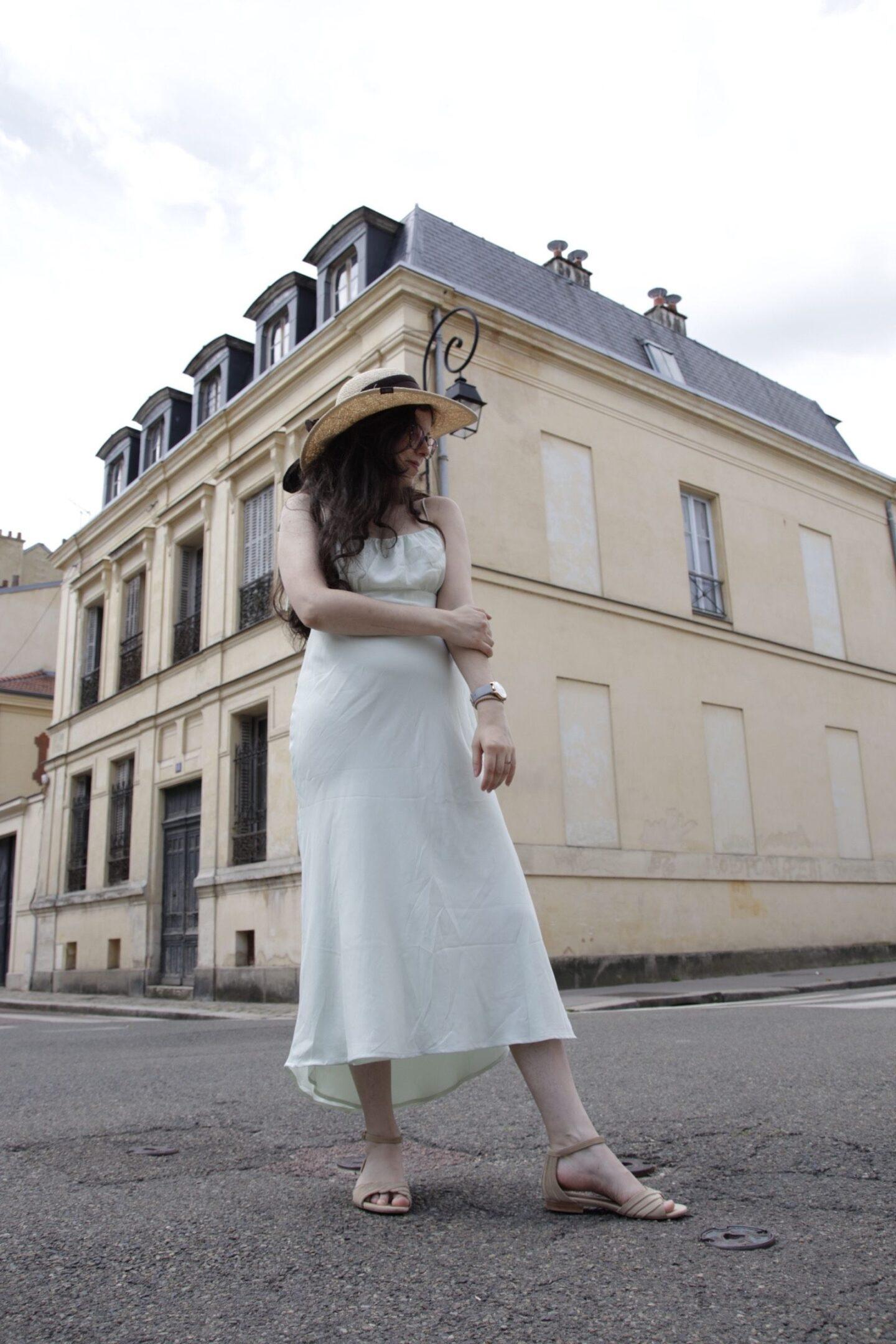 La robe en soie parfaite de jour comme de nuit